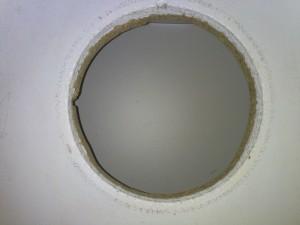 Bauanleitung für eine Spielküche, Loch für das Spülbecken