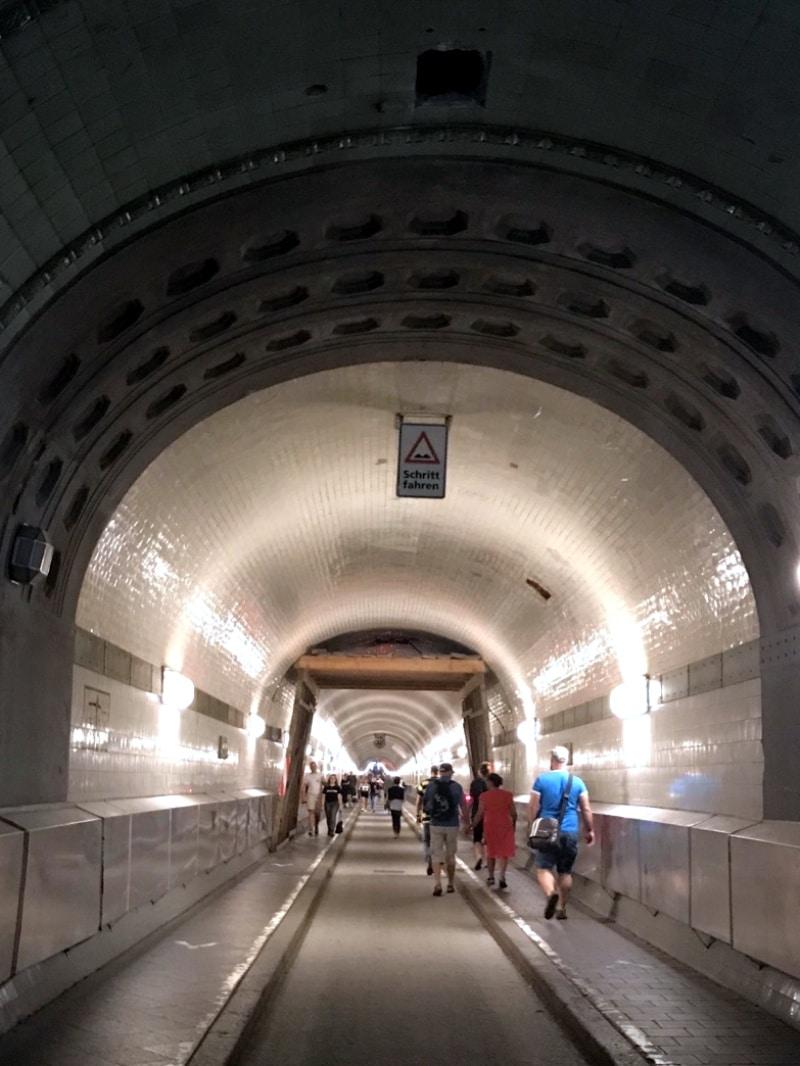 Hamburg, Hafenstadt, Citytrip, Städtereisen, Reisen mit Kindern, alter Elbtunnel, St. Pauli Tunnel, Sightseeing