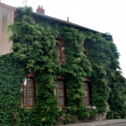 Haus in Issy-l-'Évêque
