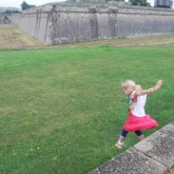 Mit Kindern in Pamplona, Spanien