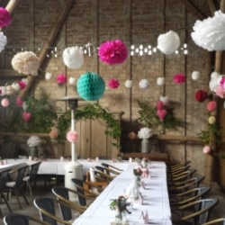 Gut Falkenhain Hochzeitsfeier in der Scheune