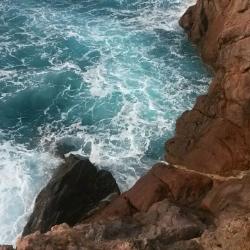 Wandern auf Mallorca mit Kindern Brandung an der Westküste