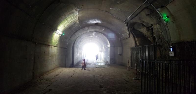 Hauptstollen im V3 Bunker / Forteresse de Mimoyecques in Frankreich