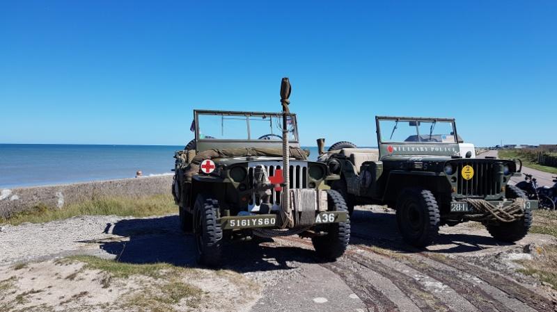 historische Geländewagen am Utah Beach, Nordfrankreich