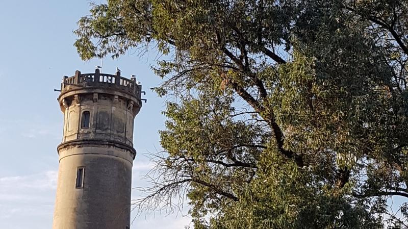 der leuchtturm in honfleur, frankreich