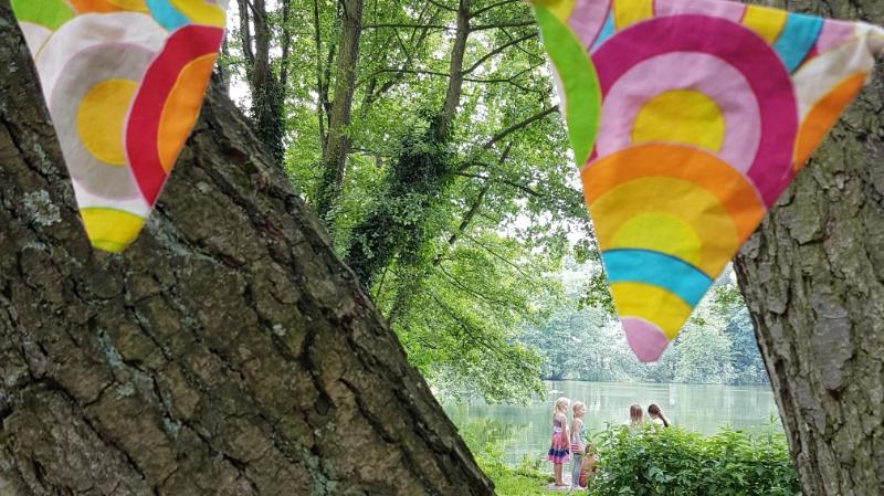 Ob beim Picknick im Park oder auf dem Tisch im Garten - eine Wassermelonentischdecke sieht überall schön aus