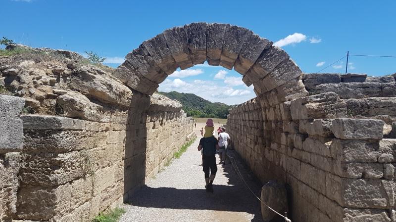 Mit dem Wohnmobil zur Ausgrabbungsstätte des antiken Olympia