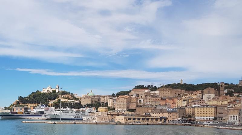 Mit dem Wohnmobil zum Hafen von Ancona