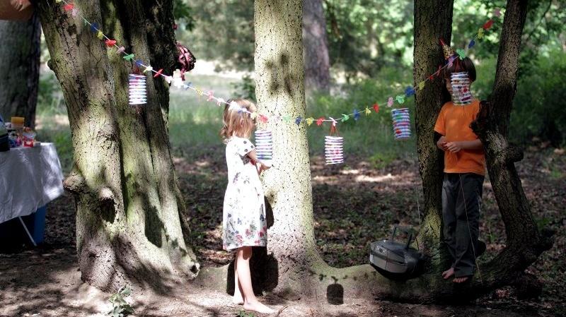 Stopptanz Kindergeburtstag Spielideen für draußen Sommer spielen