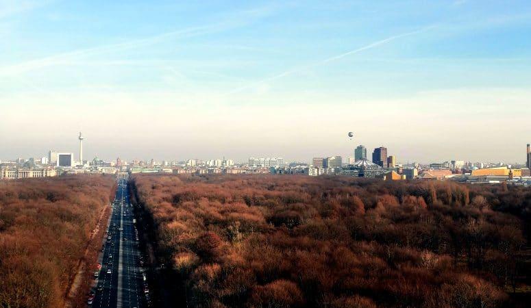 berlin von oben, Aussichtsplattform, Aussichtspunkt, Turm, Siegessäule, Tiergarten, Citytrip, reisen mit Kindern, Hauptstadt Berlin, Ausblick, view, Platform, Tower