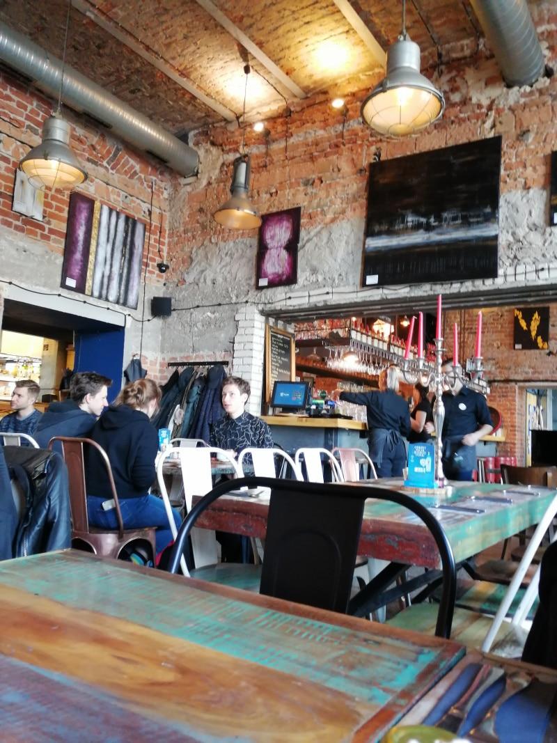 Momu Restaurant, Warschau, Warsaw, Polen, Poland, Citytrip, Reisen, Urlaub, Ferien, Stadt, Wochenendtrip, essen gehen