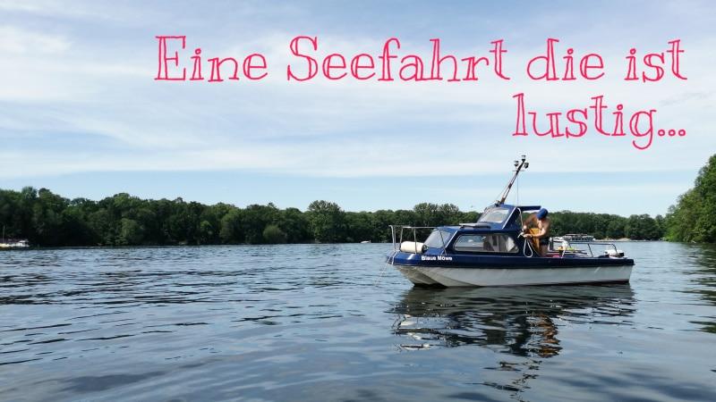 Motorboot, Boot, Schiff, Schifffahrt, See, Havel, Berlin, auf dem Wasser unterwegs, Ausflugstipp, Ausflug, motorbootfahren, Urlaub, Ferien, Sommer
